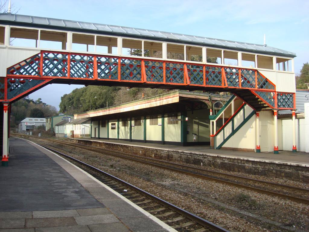 Tiny Home Designs: Torre Station Footbridge