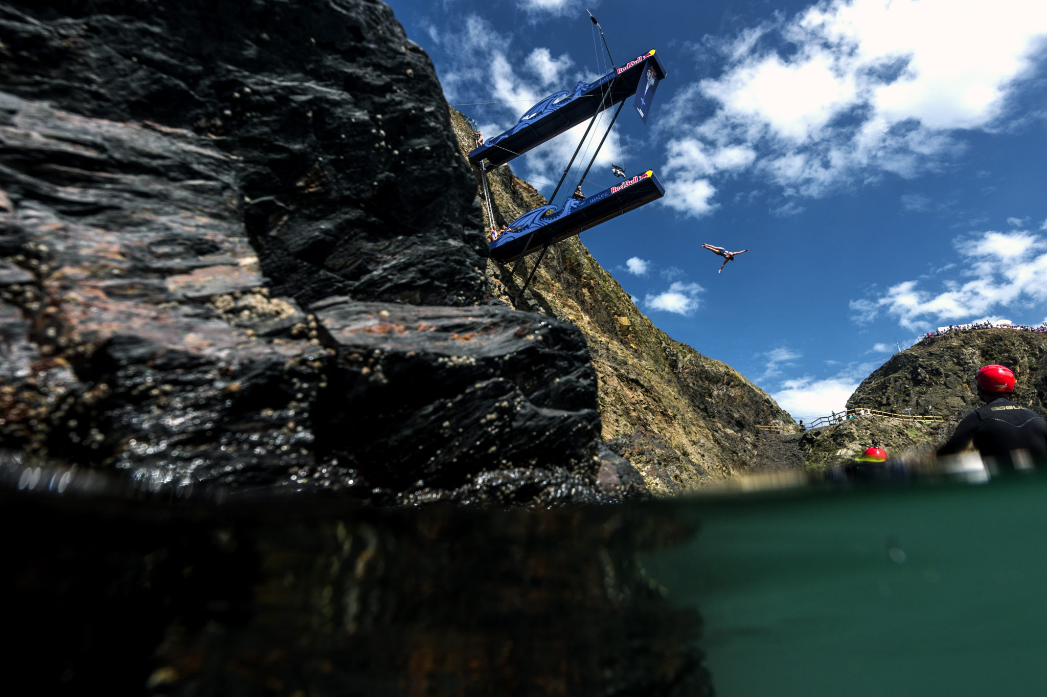 Red bull cliff diving platform crouch waterfall - Red bull high dive ...